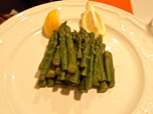 Perfectly cooked spring asparagus
